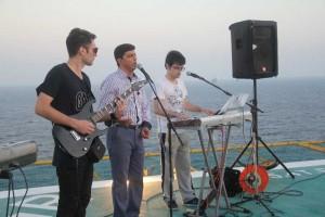اجرای کنسرت در آب های خلیج فارس